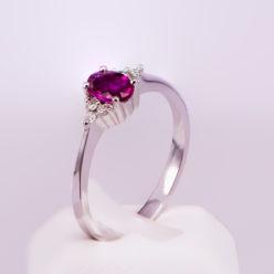 monopetro-daxtilidi-lefkoxriso-k18-roumpini-diamantia