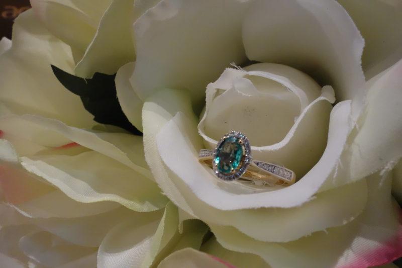 monopetro-smaragdi-diamantia