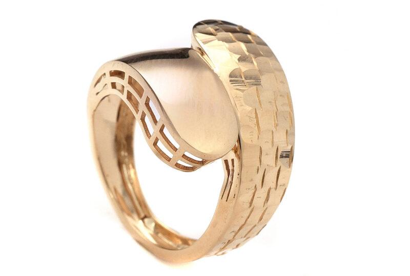 Μοντέρνο δαχτυλίδι από χρυσό Κ14